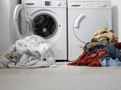Hướng dẫn phân loại quần áo khi giặt bằng máy giặt